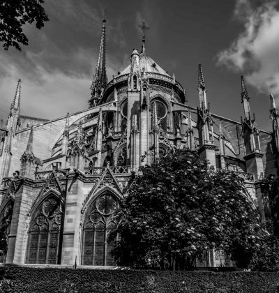 Two men arrested for stealing stones from Notre Dame