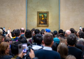 Mona Lisa moves! Well, '100 paces' away…