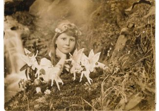 Cottingley Fairies photographs – a 20th century hoax – to be sold