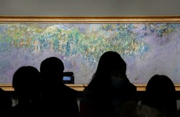 Monet travels to China