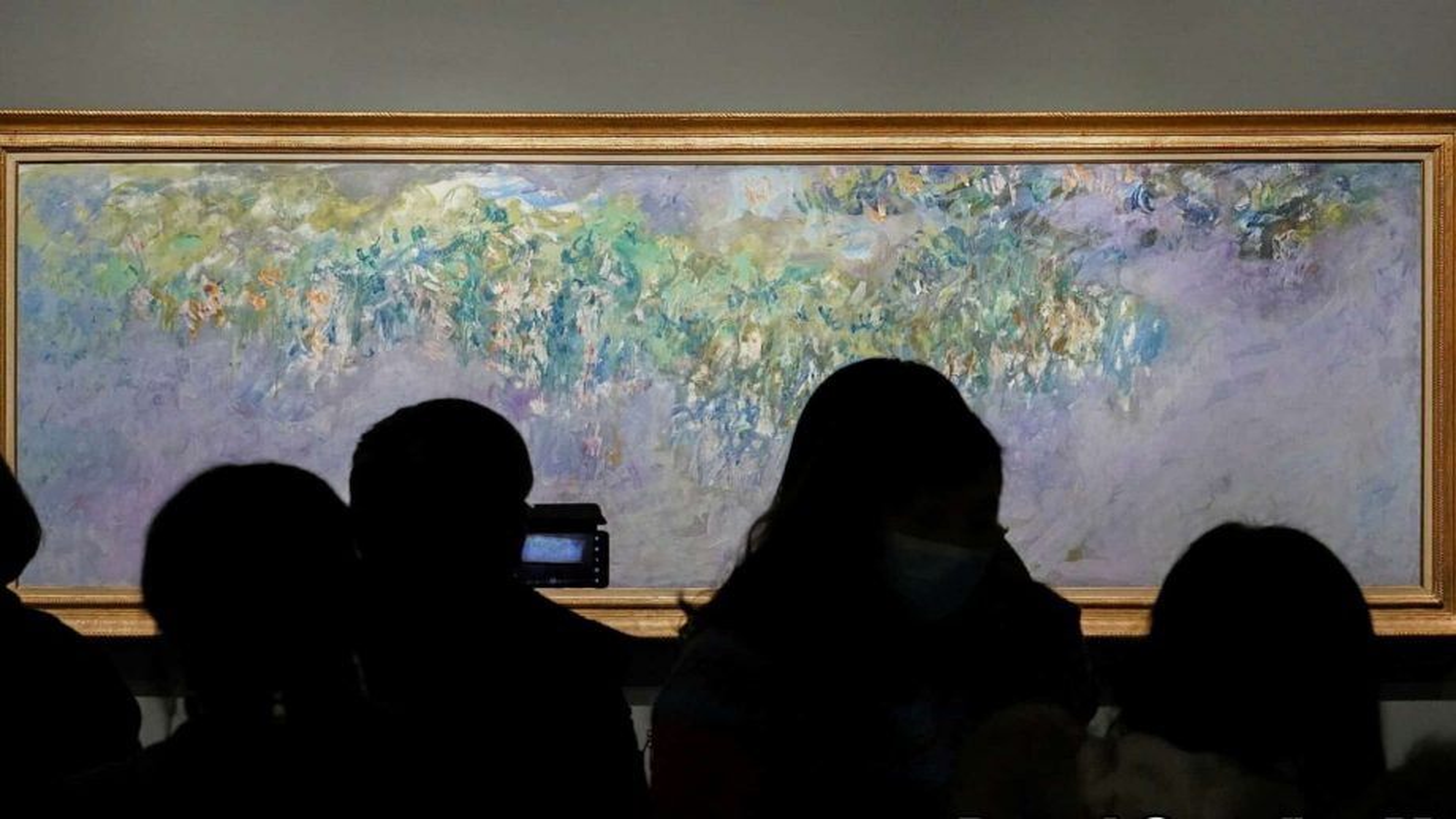 Monet travels to China