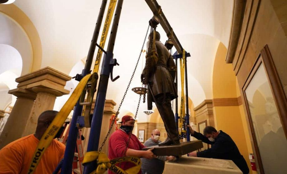 Statue of Robert E Lee quietly removed from DC, may be replaced with sculpture of civil rights activist