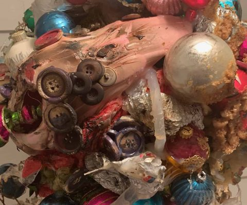X-Mas With the Surrealist Sculptor Daniel Giordano: The Immersive Trend Challenges Emerging Artists