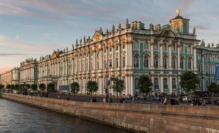 """Art dealer lambasts Hermitage Fabergé exhibition for inclusion of """"tawdry fakes"""""""