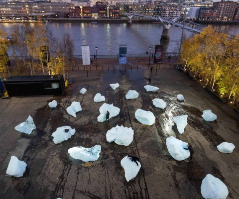 Olafur Eliasson installs melting icebergs in the heart of London