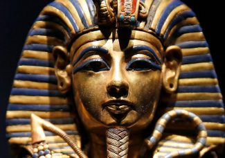 Blockbuster King Tut show breaks French attendance record